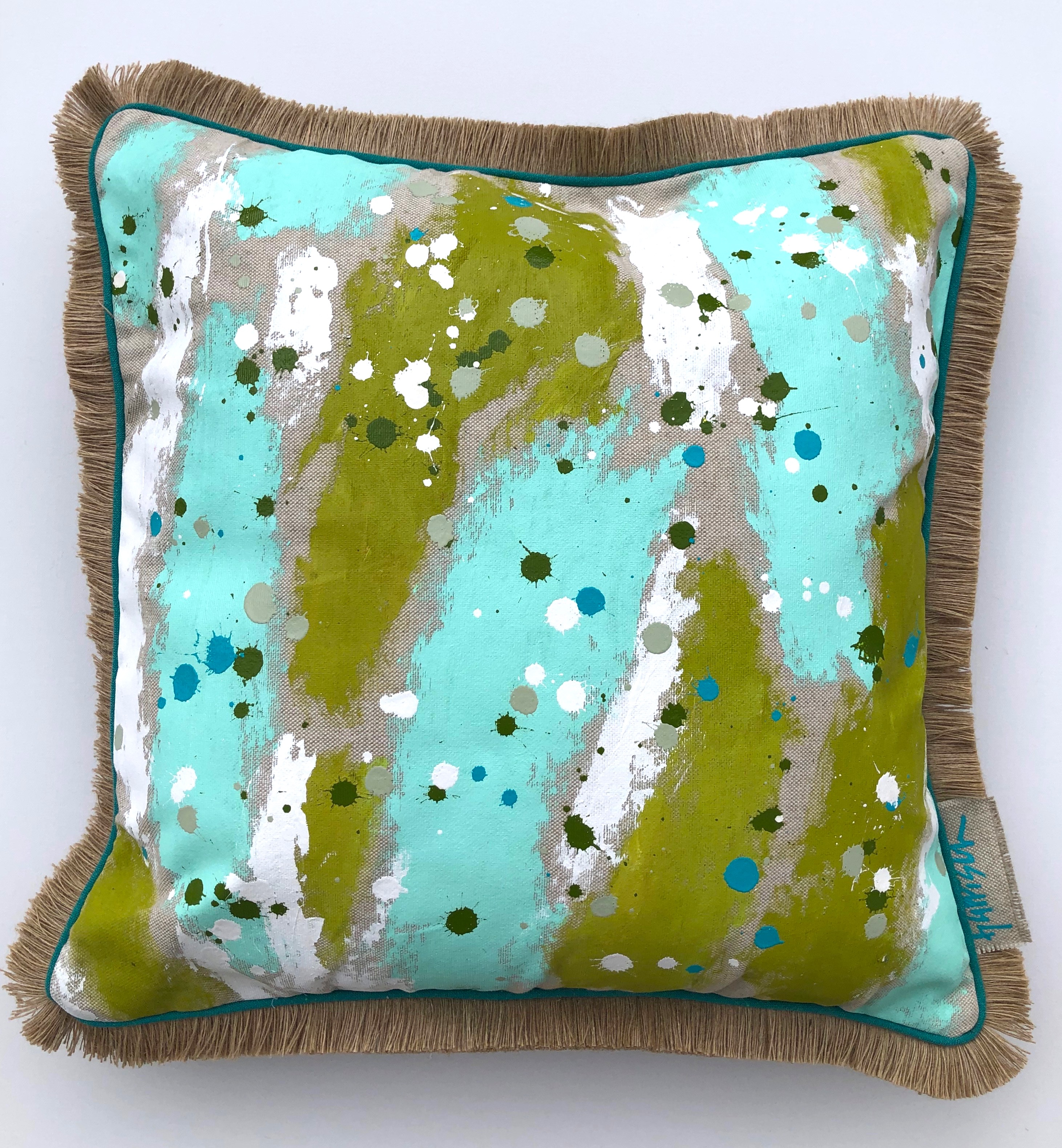 TIDAL WAVE PILLOW I